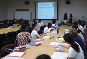 Bryn Mawr College students giving presentation at Tsuda College on Disasters and Rebuilding, 2014 — Photo courtesy of Bryn Mawr College